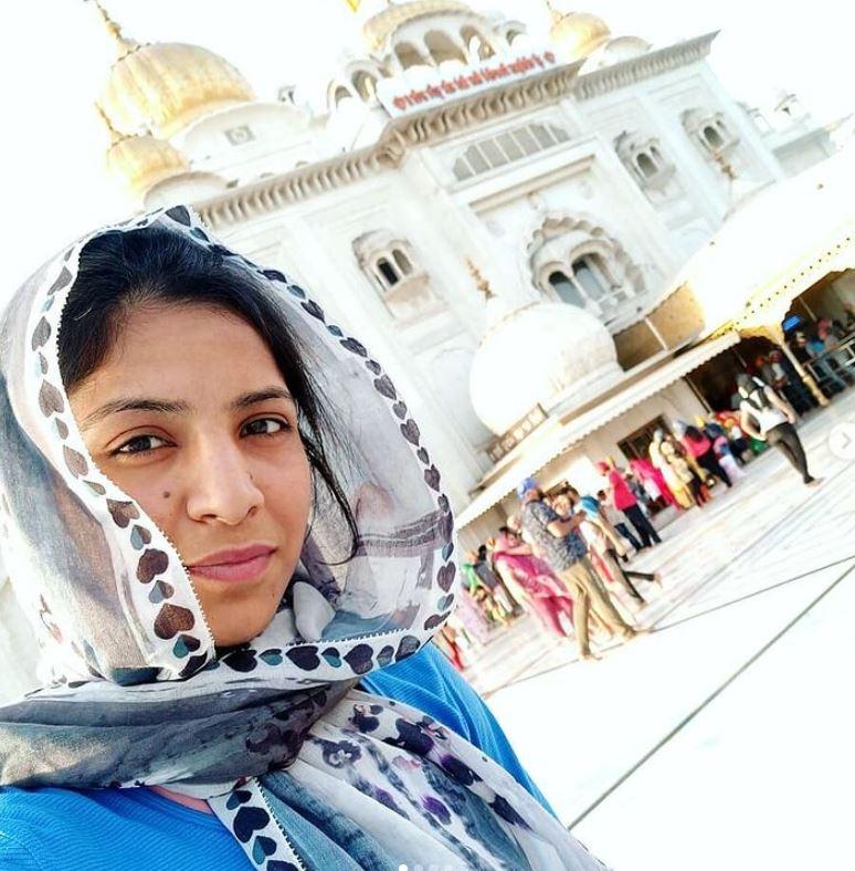 Simranjit Kaur at Gurudwara Shri Bangla Sahib