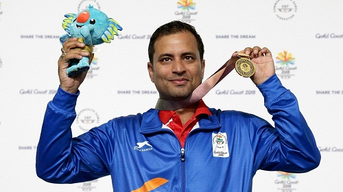 Sanjeev Rajput wearing his gold medal at the Commonwealth Games 2018