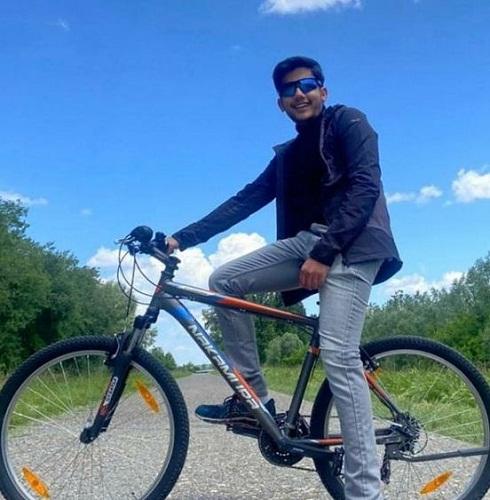 Aishwary Pratap Singh Tomar while cycling
