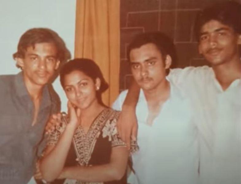 Khushbu Sundar with her three brothers