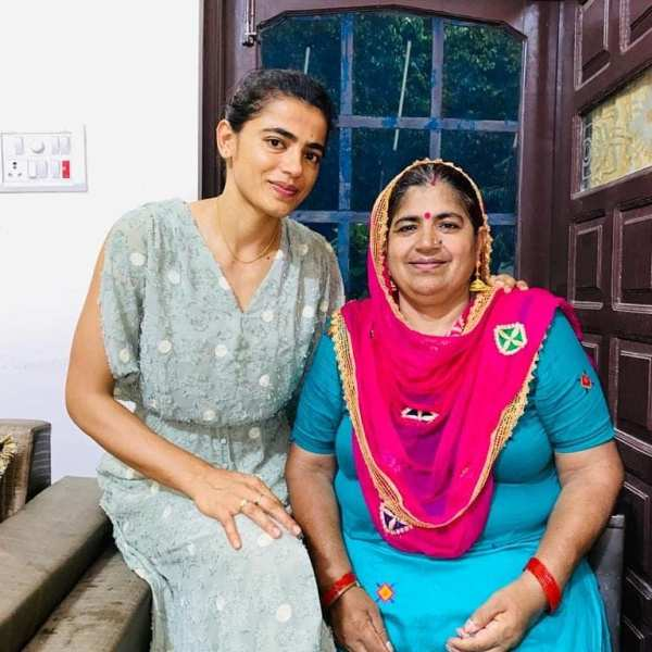 Savita Punia with her mother