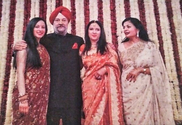 Hardeep Singh Puri with his wife and daughters