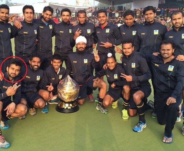 Manpreet along with his BPCL Team at Scindia Gold Cup Hockey Tournament (2014)
