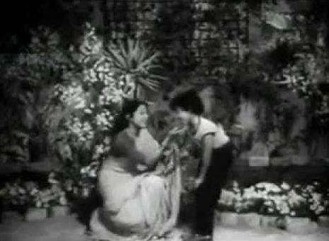 Nanda in Meethi Meethi Baaton Se Bachna Zara