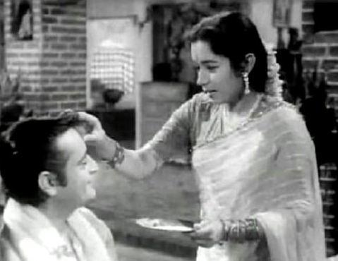 Nanda in Bhaiyaa Mere Rakhi Ke Bandhan Ko Nibhaana