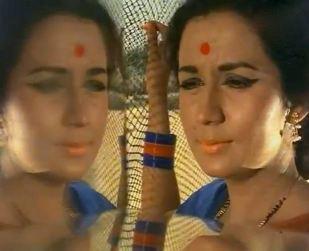 Nanda in Ek Pyaar Ka nagma Hai