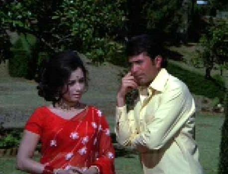 Nanda in Naino Mein Kajra Hai