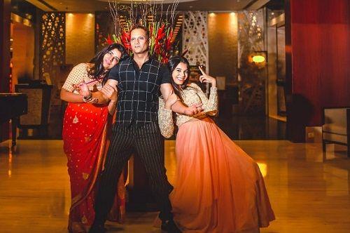 Ayushi Gupta with her parents