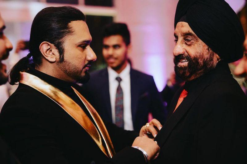 Yo Yo Honey Singh with his father