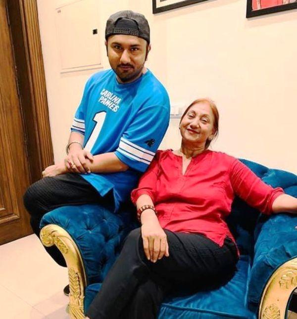 Yo Yo Honey Singh with his mother