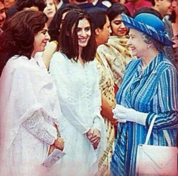 Sonia Singh while meeting Queen Elizabeth